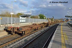 IWT passes Portarlington, 17/2/16 (hurricanemk1c) Tags: irish train rail railway trains railways irishrail portarlington 2016 iarnród éireann iarnródéireann iwtliner industrialwarehousingandtrading 1140ballinanorthwall