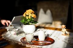 Sonntag (Chris Buhr) Tags: leica chris sun coffee 35mm milk sunday kaffee mp summilux sonntag milch zucker idylle idyllisch sonnenlicht buhr