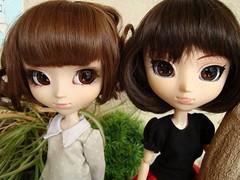 Cosette (Midori) & Jodie (Asuka) (Lunalila1) Tags: cosette digital outfit doll handmade groove pullip custom asuka midori retoque costura beauvoir fukasawa junplaning