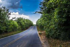 Piedade Interior de Sao Paulo (Christian Cardoso.) Tags: road blue trees green landscape cluds