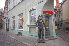 IMG_2098 (vadim_fomichev) Tags: streets buildings oldbuildings oldtown riga peopleonthestreets