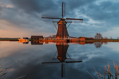 Red light windmill @ Ammersche boezem (Marcel Tuit | www.marceltuit.nl) Tags: sunset red holland reflection mill me water windmill clouds canon reflections landscape eos spring zonsondergang warm outdoor nederland thenetherlands wolken landmark 7d polder redlight lente rood alblasserwaard molen landschap windmolen zuidholland reflectie voorjaar watermolen bezienswaardigheid reflecties boezem grootammers roodlicht brandwijk ammerscheboezem achterlandsemolen vuurrood marceltuit contactmarceltuitnl wwwmarceltuitnl