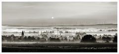 Oberdorla im Morgendunst (hthesse wnscht einen schnen Feiertag) Tags: trees winter bw fog contrast rural landscape deutschland grey thringen woods flickr dorf noiretblanc felder sw landschaft bume dunst lndlich vogtei thomashesse verdichtet eos700d hth56