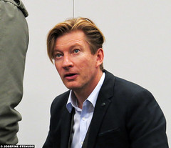 20160403_3 David Wenham at the Scandinavian Sci-Fi, Game & Film Convention | Gothenburg, Sweden (ratexla) Tags: life travel people favorite cinema man men guy travelling celebrity film gteborg movie stars person star actors europe sweden earth famous gothenburg culture meeting guys dude entertainment lotr human fantasy journey convention scifi moviestar daisy cons movies actor celebrities sverige celebs traveling dudes scandinavia celeb epic fandom con humans kndis encounter goteborg tellus homosapiens organism 2016 moviestars imet kndisar davidwenham scifiworld photophotospicturepicturesimageimagesfotofotonbildbilder resaresor canonpowershotsx50hs thescandinavianscifigamefilmconvention 3apr2016 ratexlasdaisytrip2016 scandinavianscifigamefilmconvention filmmssa