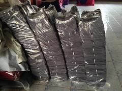 เตรียมสกรีนกางเกงเลสีเทาเข้ม กว่า 500 ตัว ด้วยผ้าโทเรเกรดพรีเมี่ยม เหมาะสำหรับการใช้งานระดับองค์กร โรงแรม และร้านสปา ร้านนวด ต่างๆ  สั่งผลิตได้ทุกสีนะครับ 🎨  😊😊 🍭🍭สนใจติดต่อสอบถามหรือสั่งผลิตกางเกงเลและงานผ้าทุกชนิดได้ตลอ