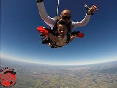 G0049757 (So Paulo Paraquedismo) Tags: skydive tandem freefall voo paraquedas quedalivre adrenalina saltar paraquedismo emocao saltoduplo saopauloparaquedismo