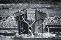 Fesselspiele (in explore) (tan.ja1212) Tags: strand sand meer norderney strandkorb strandkörbe schwarzweis