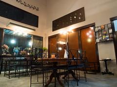 P4172957 (tatsuya.fukata) Tags: food thailand book cafe samutprakan steelroses