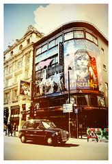 DSCF0423 (Jazzy Lemon) Tags: uk england london english britain candid streetphotography april british socialdocumentary 18mm 2016 jazzylemon fujifilmxt1