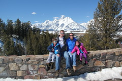 Family picture at the Snake River Overlook 2 (Aggiewelshes) Tags: travel family winter snow lisa april adrian wyoming olsen jacksonhole familypicture grouppicture jovie grandtetonnationalpark 2016 gtnp snakeriveroverlook