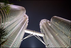 160122 KLCC CNY 32 (Haris Abdul Rahman) Tags: leica malaysia shoppingmall kualalumpur petronastwintowers leicamp summiluxm35 wilayahpersekutuankualalumpur harisabdulrahman harisrahmancom cny2016 fotobyhariscom