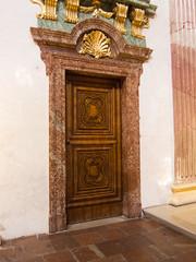 Seashell door (quinet) Tags: vienna wien door church austria sterreich kirche porte tr vienne autriche 2013