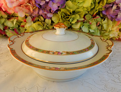 KPM Germany Porcelain Covered Serving Bowl ~ Floral Rose Gold (Donna's Collectables) Tags: floral rose germany gold bowl covered porcelain serving ~ kpm