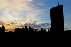 IMG_0649 schatten (matthias.dietz) Tags: sunset skyline skyscraper frankfurt frankfurtammain mainhatten ezb hochhuser osthafenbrcke