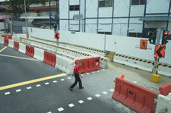 L1000149 (Natzkiee) Tags: street color singapore streetphotography streetportrait streetphoto layering phography incolor oneverystreet streetincolor streetphotographyphilippines everydayasia
