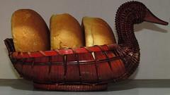 Panecitos oaxaqueños, en un cesto de pato. México (Juan Antonio Xic Eseyosoyese) Tags: en mimbre méxico canon de y powershot un pato pan palma martes cesto oaxaqueños panecitos popotillo eseyosoyese