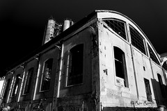 Roma. Ostiense. Gazometro tour. Abbandono (R come Rit@) Tags: blackandwhite bw italy panorama rome roma building abandoned architecture buildings landscape photography italia tour streetphotography structures bn abandon architettura industriallandscape visita biancoenero gazometro gasometro ostiense abbandono industrialarchitecture abbandonato struttura architetturaindustriale strutture italgas ritarestifo gazometrotour