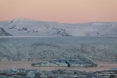 shs_n8_067808 (Stefnisson) Tags: ice berg landscape iceland belt venus glacier iceberg gletscher glaciar sland icebergs jokulsarlon breen vatnajokull jkulsrln ghiacciaio jaki girdle vatnajkull jkull jakar s gletsjer ln venuss  glacir sjaki venuses esjufjll sjakar stefnisson esjufjoll