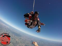 G0060414 (So Paulo Paraquedismo) Tags: skydive tandem freefall voo paraquedas quedalivre adrenalina saltar paraquedismo emocao saltoduplo saopauloparaquedismo