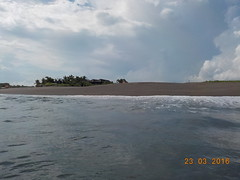 DSCN2040 (petersimpson117) Tags: lima pantai pererenan