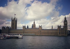 Palace of Westminster (Lunatic Photographer UY) Tags: old uk travel summer england urban building london westminster architecture buildings arquitectura europe cityscape photographer united cityscapes kingdom parliament palace historic wanderlust urbano traveling lunatic congreso vacations urbanscape reino unido urbanscapes parlamento lunaticphotographercom