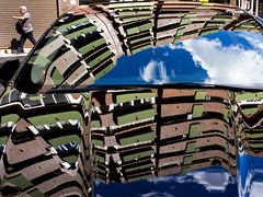 Car reflections (enmrd) Tags: street leica espaa color colour reflection valencia contrast reflections lumix calle spain streetphotography reflejos callejera gx8 valenciaspain carreflections mirrorless streetreflections fotografadecalle leica25mmf14 fotografacallejera micro43 panasonicgx8 lumixgx8