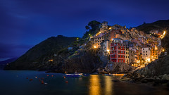 Riomaggiore (Bastian.K) Tags: park italien blue sunset italy mountain architecture landscape harbor nikon harbour sony 11 berge national hour terre 20mm vernazza hafen monterosso f11 manarola cinque afs riomaggiore corniglia blaue stunde 18g hafenviertel a7s ilce7s nikon20mm18g