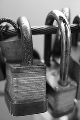 (simonholmes1982) Tags: bridge leeds padlocks