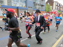 UK - London - Maze Hill - London Marathon 2016 - Fun runners (JulesFoto) Tags: uk england london greenwich running bowlerhat mazehill citygent londonmarathon2016