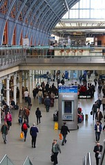 116#79 Hustle bustle (Pat's_photos) Tags: london station stpancras 11679