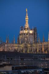 Duomo e Madonnina con Tricolore (25 aprile) (Obliot) Tags: skyline italia milano it april lombardia galleria highline 2016 grattacieli obliot highlinegalleria