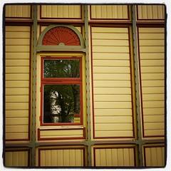 Hjo Vattenkuranstalt #hjo #HjoVattenkuranstalt #details #window... (Anders SB) Tags: window architecture details v arkitektur trehus hjo sveitserstil uploaded:by=flickstagram bygnadsv hjovattenkuranstalt instagram:photo=995044185219101313202339955