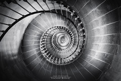 Like a snail (Jean-Christophe Coutand Mheut) Tags: white black france stairs nikon snail phare escargot escalier ileder photographe d610 charentemaritime jeanchristophe saintclementdesbaleines coutand mheut wwwuninstantphotocom