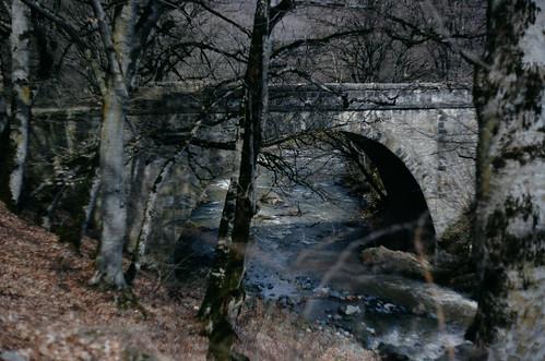Հախում գետի կամուրջ