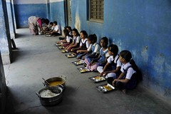 Children having their mid-day meal in a school in Vadodara, Gujarat (ILO in Asia and the Pacific) Tags: india children childlabour usdol educationskillsandtraining