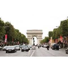 Wander wonder #throwback #paris (chopperth) Tags: paris square squareformat arcdetriomphe juno champselyees iphoneography instagramapp