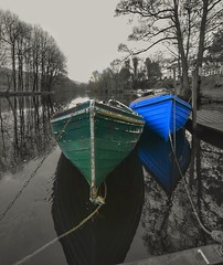 Blue and Green,Killin. (Innerleithen man) Tags: blue trees blackandwhite bw colour green water reflections boats 1 scotland nikon scottish rope chain tied killin sigmalens nikond5100 snapseed