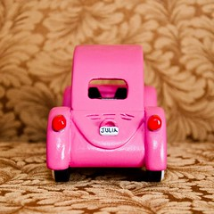 Pink Vintage Bug (pasa~tiempo) Tags: cars girl cub puff boyscouts powder scouts girlscouts pinkbug derby volkwagen volkswagenbug volkswagon pinewood cubscouts pinewoodderby volkswagonbug powderpuff derbycar powderpuffderby vintagebug derbycars