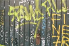 CIUDAD DE MXICO ENERO 2016/MEXICO CITY JANUARY 2016 (TheKinkyKid) Tags: street door sun color building film 35mm mexico 50mm graffiti iso200 calle lomography puerta mexicocity fuji streetphotography 35mmfilm fujifilm f2 fotografia filmset 5mm filmphotography fotocallejera vivitarv3000 filmfilmforever fujiproplusii200 smspentax50mmf2