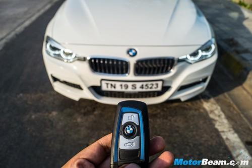 2016-BMW-3-Series-14