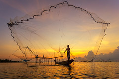 IMG_4232 (santifoto9) Tags: poverty sunset people mountain lake fish man reflection nature water beautiful face silhouette rural sunrise river indonesia asian thailand happy countryside boat fishing fisherman asia cambodia ripple burma traditional rustic poor floating lifestyle peaceful vietnam catching thai malaysia tropical environment myanmar local farmer tradition agriculture laos technique tranquil aec pakpra