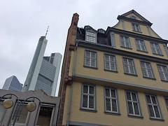 Goethehaus Frankfurt (bcmng) Tags: frankfurt goethe frankfurtmain commerzbank japancenter goethehaus henningerturm frankfurtskyline meixnerschlterwendt frankfurtskyscraper meixnerschlterwendtarchitekten zukunftspavillon ianshawarchitekt goetheplatzfrankfurt architektursommerfrankfurt