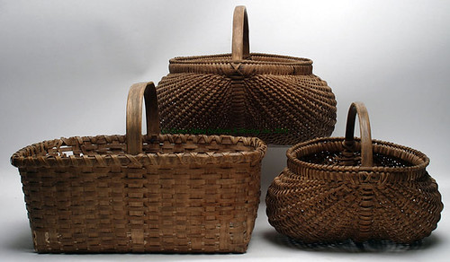 Country Kidney Basket - $467.50 (Sold March 20, 2015)
