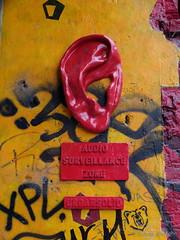 Der Lauscher an der Wand (Sockenhummel) Tags: berlin graffiti ohr ear tacheles oranienburgerstrase