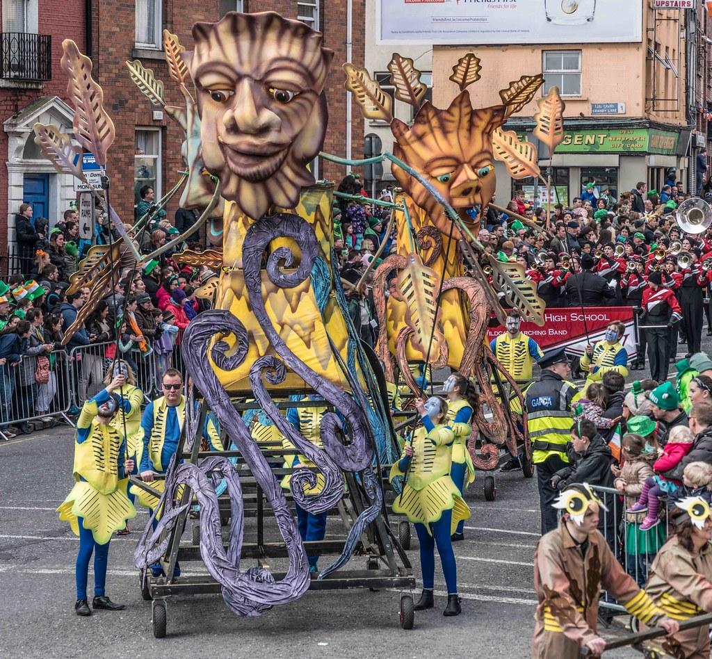 Dowtcha Puppet's At The St.Patrick's Parade [Dublin 2016]-112511