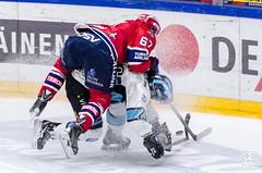 Battle 4 the puck. (R1ku Exposures) Tags: pelicans sports hockey sport finland helsinki icehockey jkiekko sportsphotography nordis jhalli ifk hifk helsinginjhalli liiga ifkhelsinki helsinginifk nordenskildinkadunjhalli pelicansfi