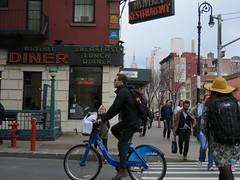 Space Invader NY_168 (tofz4u) Tags: street nyc people usa streetart ny newyork bike bicycle breakfast subway tile lunch restaurant metro mosaic burger unitedstatesofamerica spaceinvader spaceinvaders diner sandwich hamburger mta invader rue velo waverly vlo mosaque artderue tatsunis citibike cheeseburder ny168