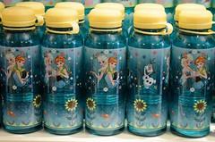 Disneyland Visit - 2016-04-24 - Main Street - China Closet - New Plastic Water Bottles - Frozen Fever (drj1828) Tags: frozen us mainstreet disneyland visit anaheim dlr 2016 chinacloset