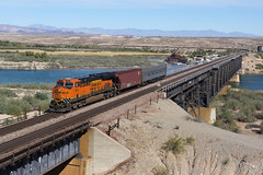 BNSF 7874 Topock AZ (Gridboy56) Tags: railroad arizona usa america train az trains coloradoriver locomotive ge railways freight bnsf locomotives generalelectric railfreight topock