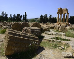 2016-04-17_14-48-24-Nikon D800 (Bernhard Kvaal) Tags: italy valley temples sicily sicilia agrigento